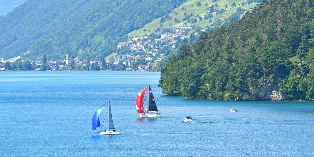 Sailboats on Lake Lucerne - how to make a boat from paper