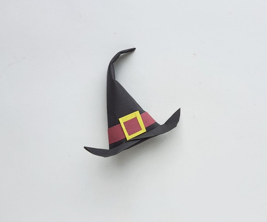Origami witch hat tutorial